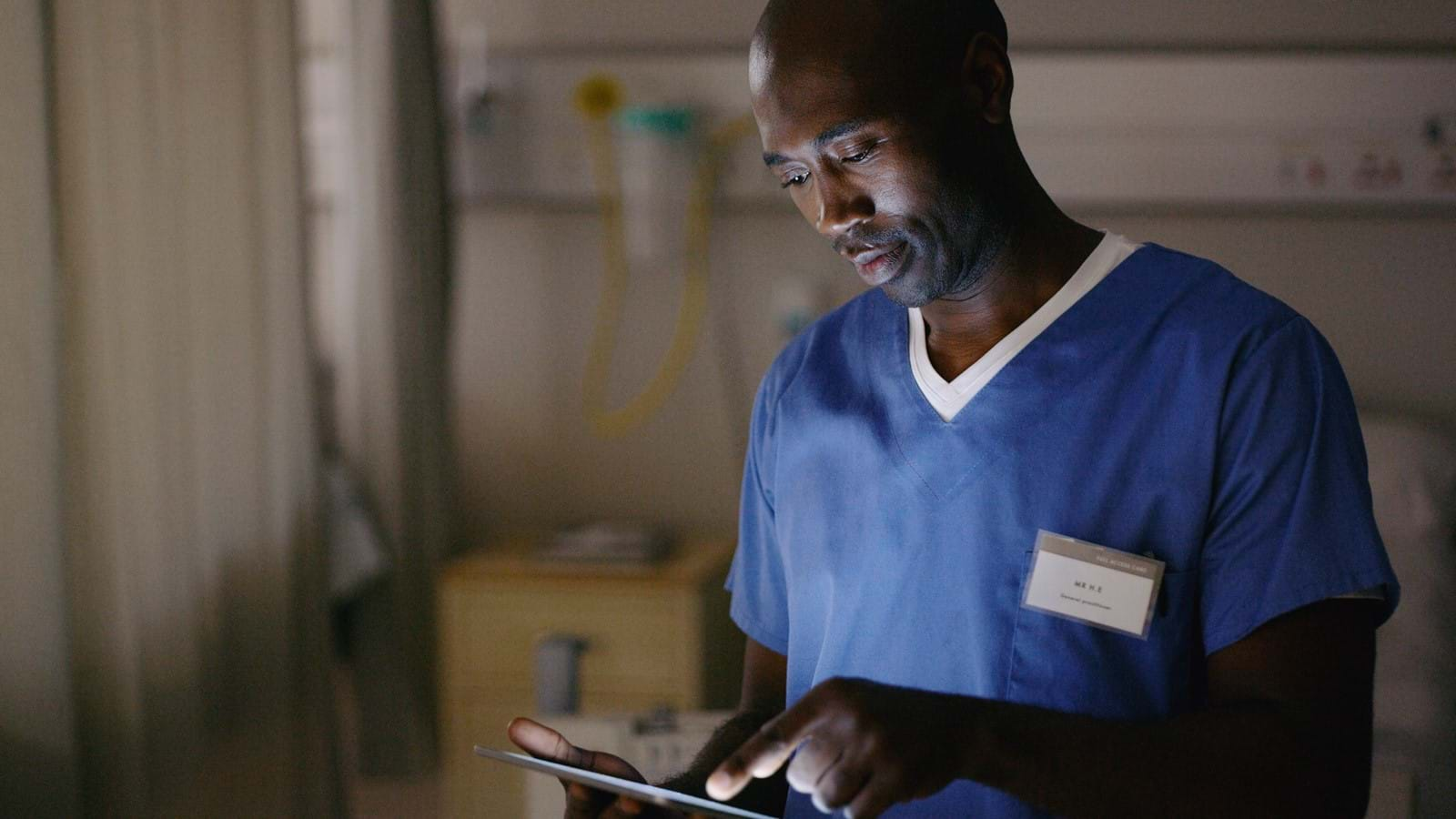 Healthcare employee using Unily intranet
