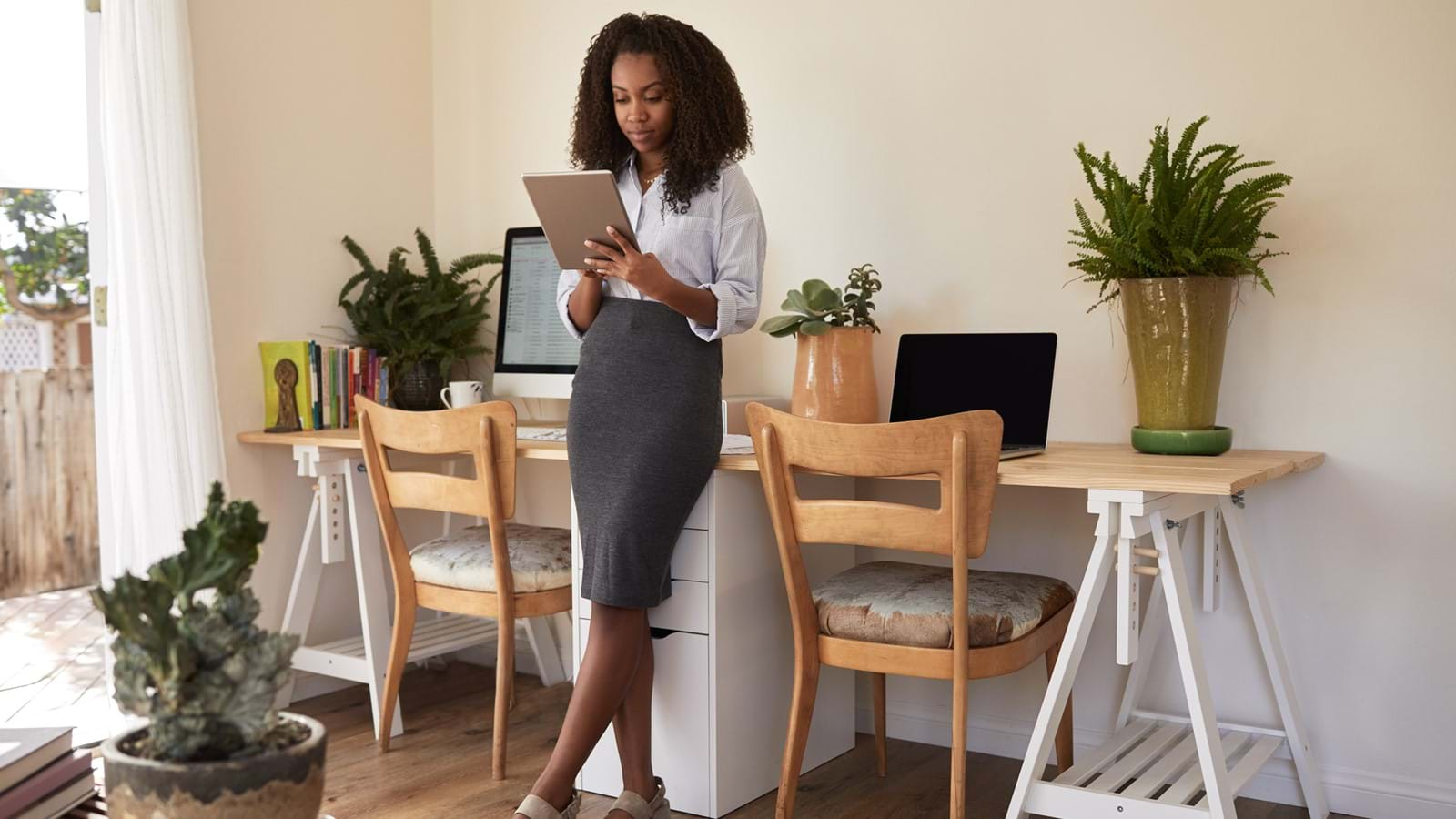 Employee working remotely from an employee experience platform